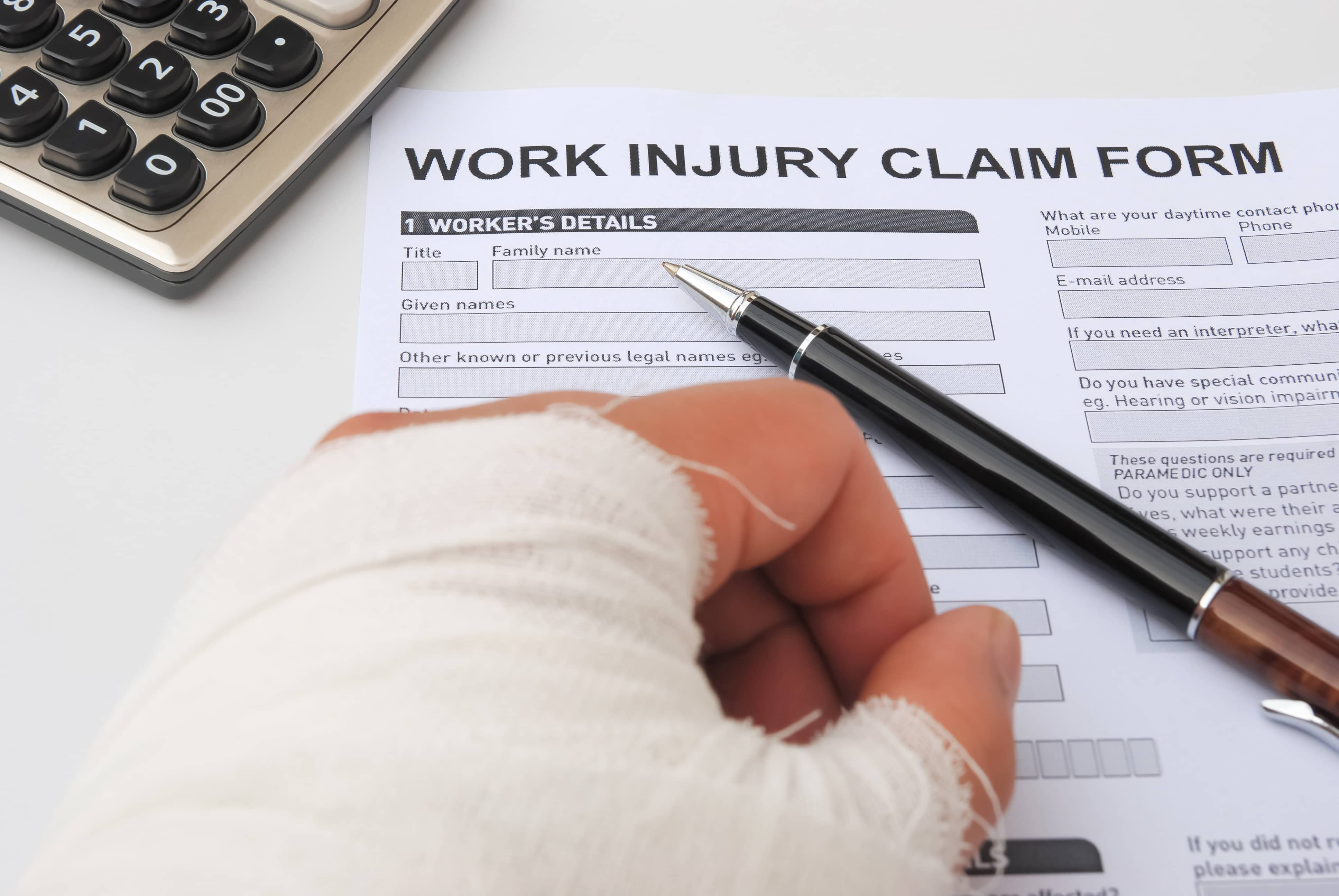 What does a workmans' comp lawyer do?